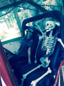 christina-skeleton-jeep